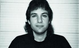 Kevin Mitnick na snímku FBI