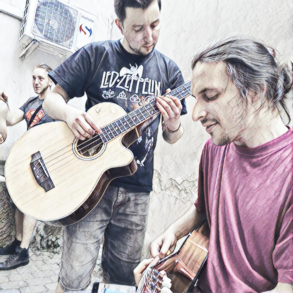 Sváťa a Pavel hrjají na AIRA Karibské rum párty